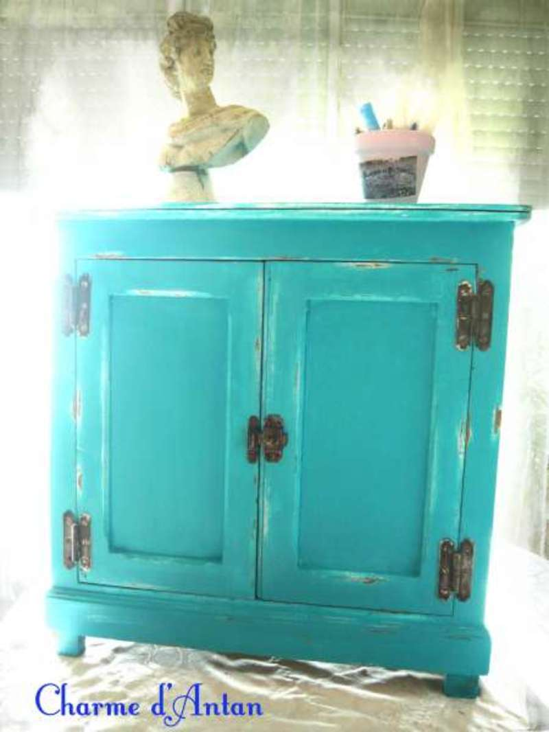 meuble bleu turquoise peinture antirouille. Black Bedroom Furniture Sets. Home Design Ideas